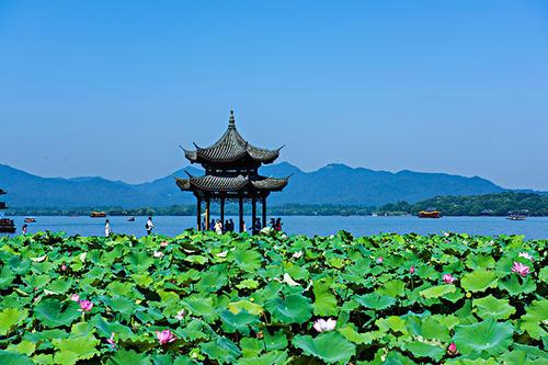 可以拿旅行证在中国上户口吗
